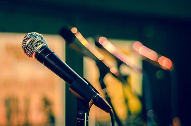 השכרת ציוד לכנסים והרצאות