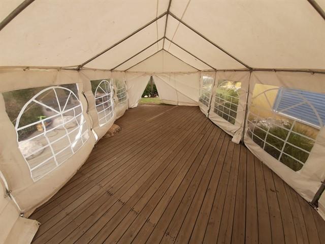 הקרקע בה נבנה את האוהל
